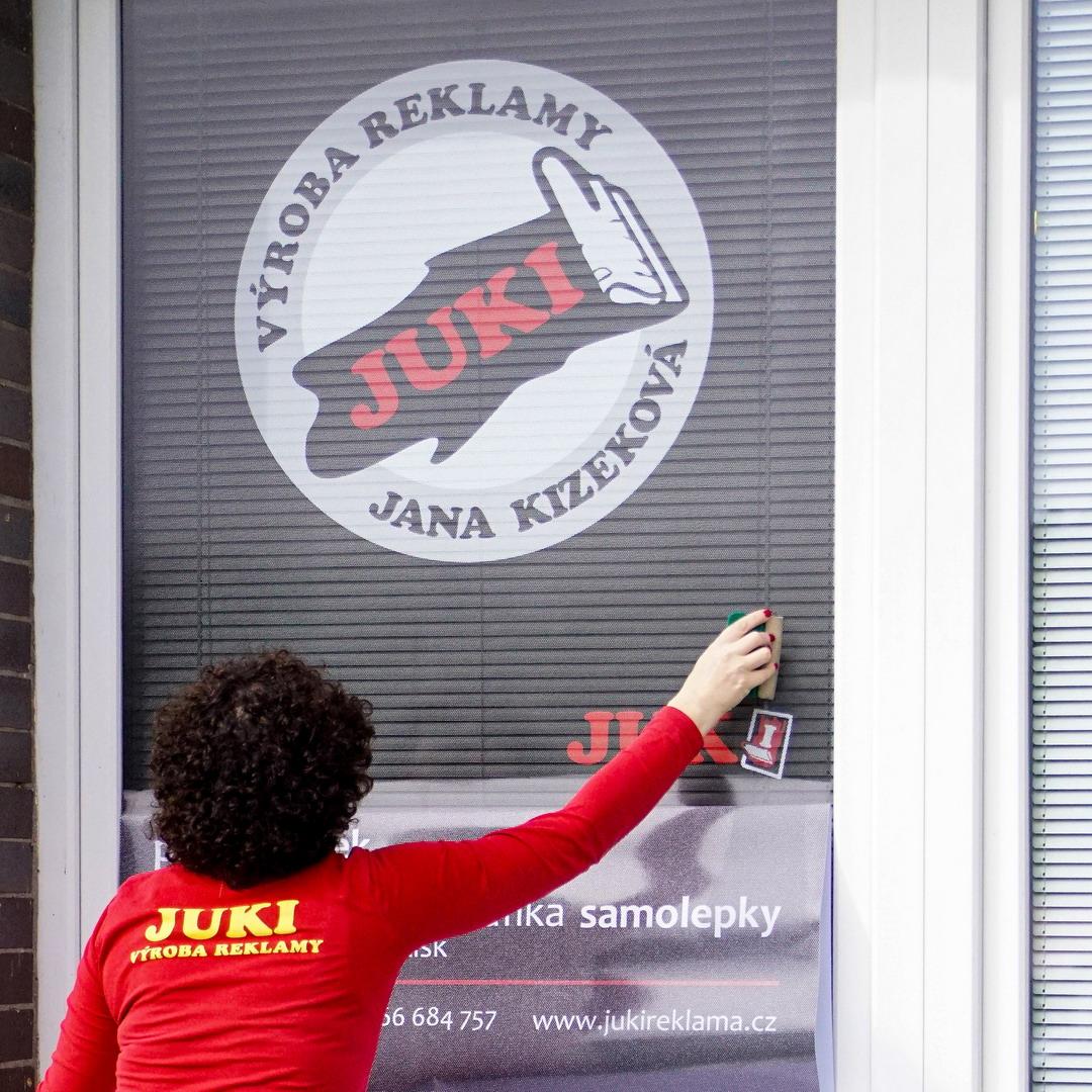 Lepená grafika / JUKI REKLAMA